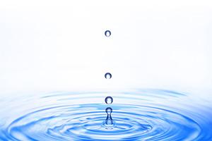 次亜塩素酸は有機物に触れるとただの水になります